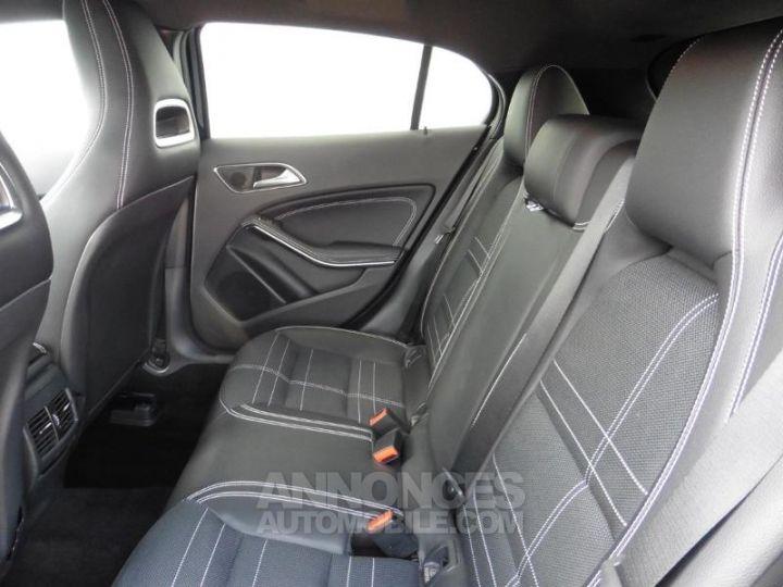 Mercedes Classe GLA 180 d Sensation 7G-DCT Noir Occasion - 8