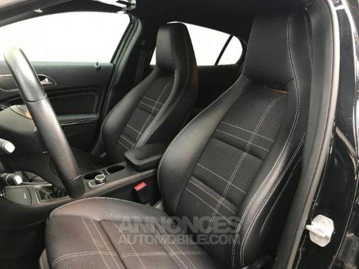 Mercedes Classe GLA 200 CDI Sensation 7G-DCT NOIR Occasion - 3