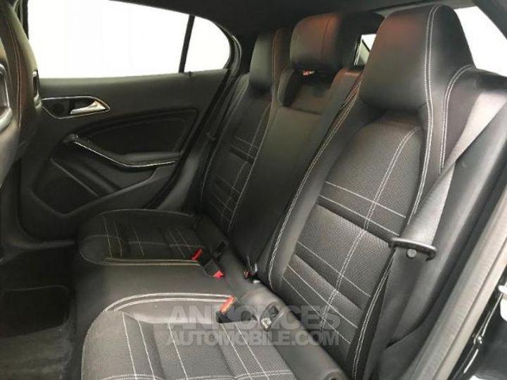Mercedes Classe GLA 200 CDI Sensation 7G-DCT NOIR Occasion - 4