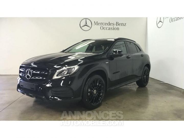 Mercedes Classe GLA 200 d 136ch Starlight Edition 7G-DCT Euro6c Noir Cosmos Occasion - 1