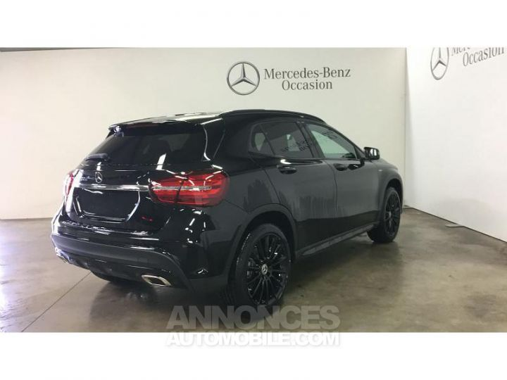 Mercedes Classe GLA 200 d 136ch Starlight Edition 7G-DCT Euro6c Noir Cosmos Occasion - 2