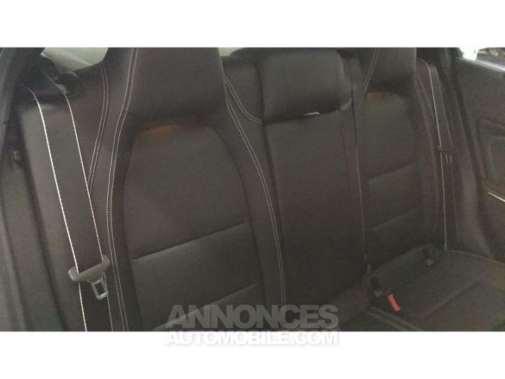 Mercedes Classe GLA 200 d 136ch Starlight Edition 7G-DCT Euro6c Noir Cosmos Occasion - 11