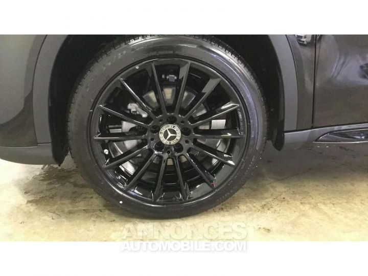 Mercedes Classe GLA 200 d 136ch Starlight Edition 7G-DCT Euro6c Noir Cosmos Occasion - 14