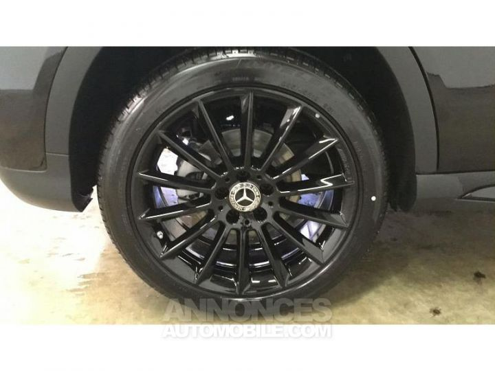 Mercedes Classe GLA 200 d 136ch Starlight Edition 7G-DCT Euro6c Noir Cosmos Occasion - 17