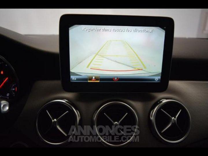 Mercedes Classe GLA 200 d Sensation 7G-DCT GRIS MONTAGNE Occasion - 9
