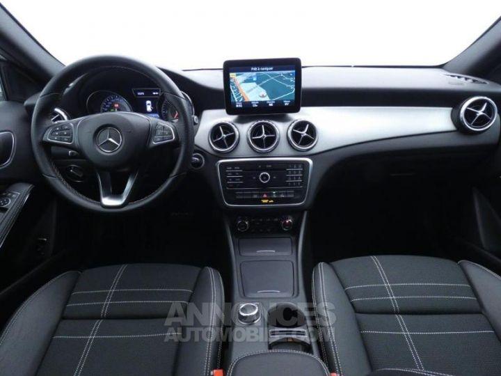 Mercedes Classe GLA 200 d Sensation 7G-DCT Blanc Cirrus Occasion - 3