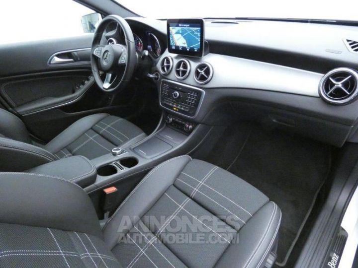 Mercedes Classe GLA 200 d Sensation 7G-DCT Blanc Cirrus Occasion - 4
