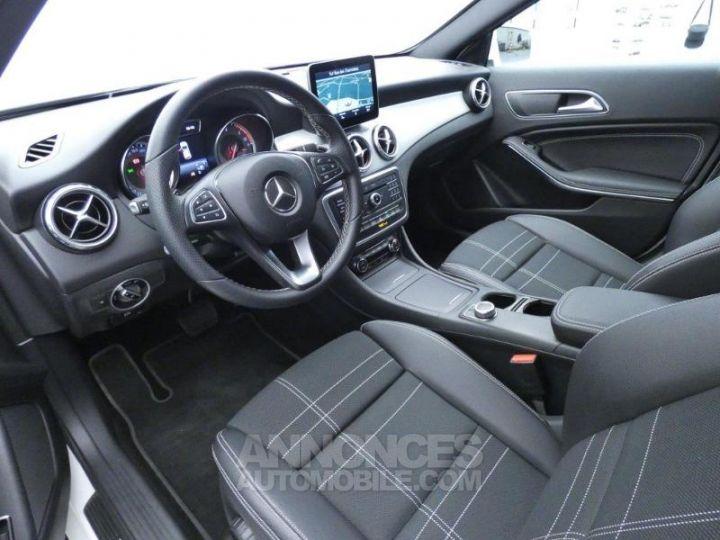 Mercedes Classe GLA 200 d Sensation 7G-DCT Blanc Cirrus Occasion - 8