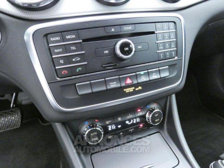 Mercedes Classe GLA 200 d Sensation 7G-DCT Blanc Cirrus Occasion - 12