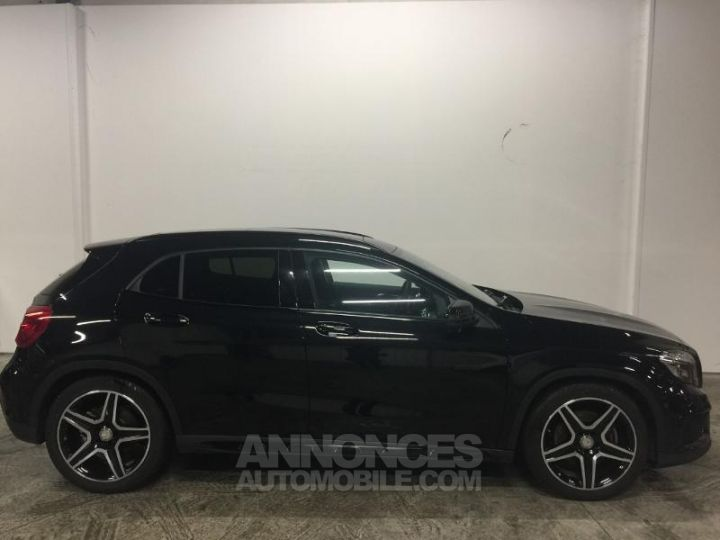 Mercedes Classe GLA 220 CDI Fascination 4Matic 7G-DCT NOIR COSMOS Occasion - 5