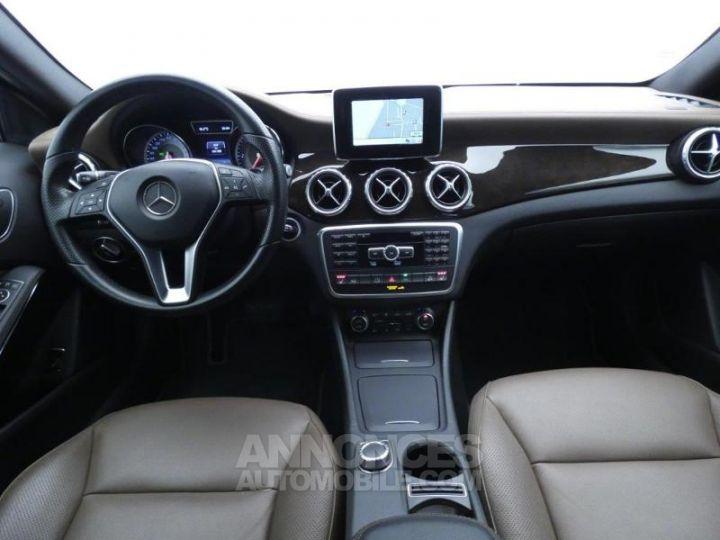 Mercedes Classe GLA 220 CDI Sensation 4Matic 7G-DCT Marron Orient Occasion - 3