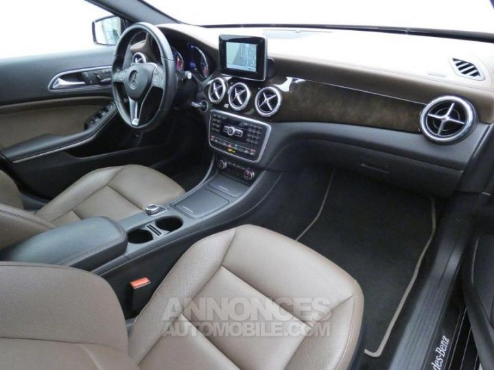 Mercedes Classe GLA 220 CDI Sensation 4Matic 7G-DCT Marron Orient Occasion - 4