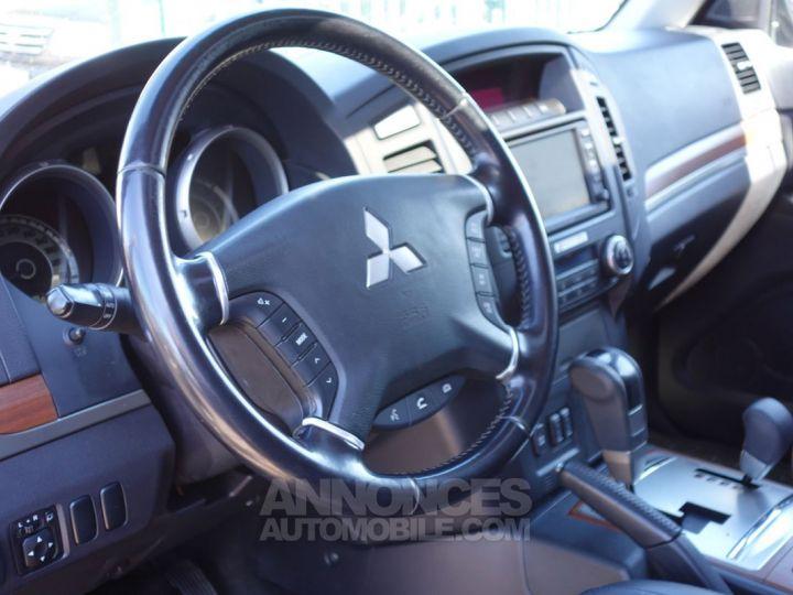Mitsubishi PAJERO instyle 5p 7pl 200cv vert foncé Occasion - 3