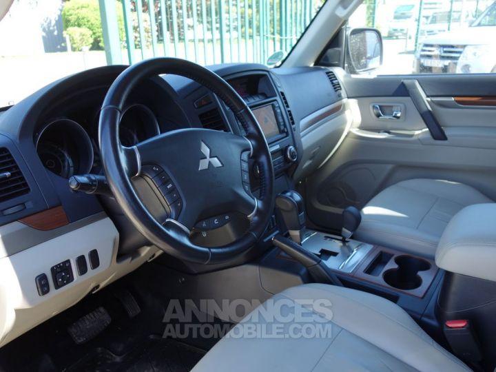 Mitsubishi PAJERO instyle 5p 7pl 200cv marron métal Occasion - 3