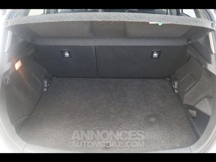 Toyota AURIS HSD 136h Design BLANC PUR Occasion - 12