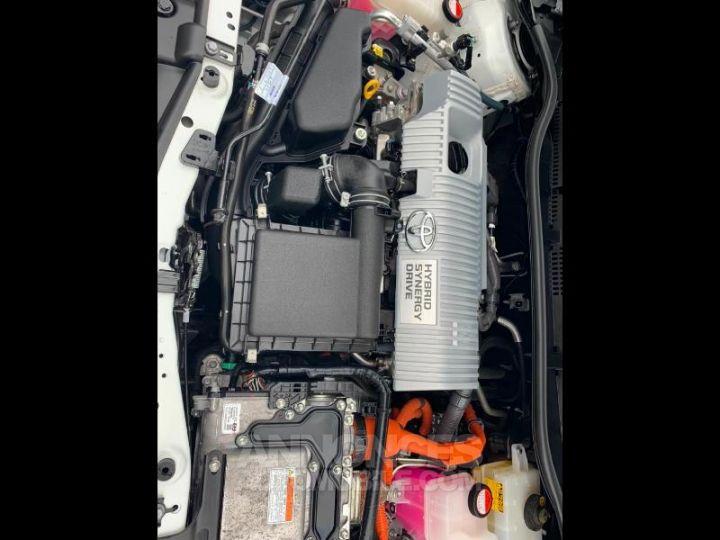 Toyota AURIS HSD 136h Design BLANC Occasion - 19