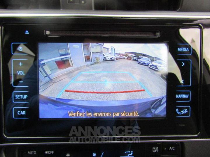 Toyota AURIS HSD 136h Dynamic Bleu Clair Occasion - 19