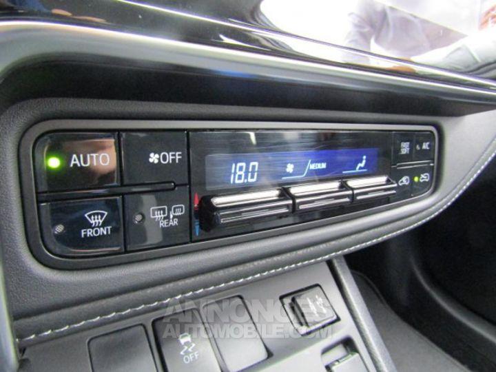 Toyota AURIS HSD 136h Dynamic Bleu Clair Occasion - 20