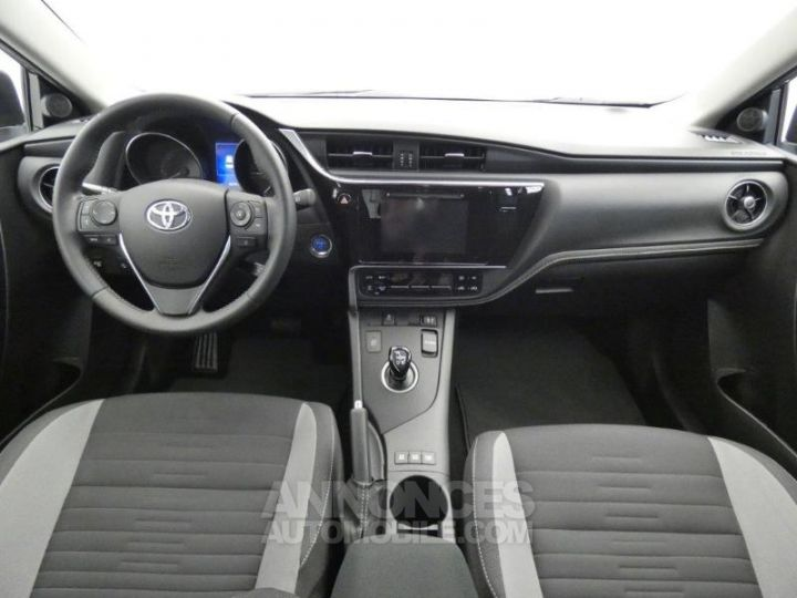 Toyota AURIS HSD 136h Dynamic Gris Platine Occasion - 4