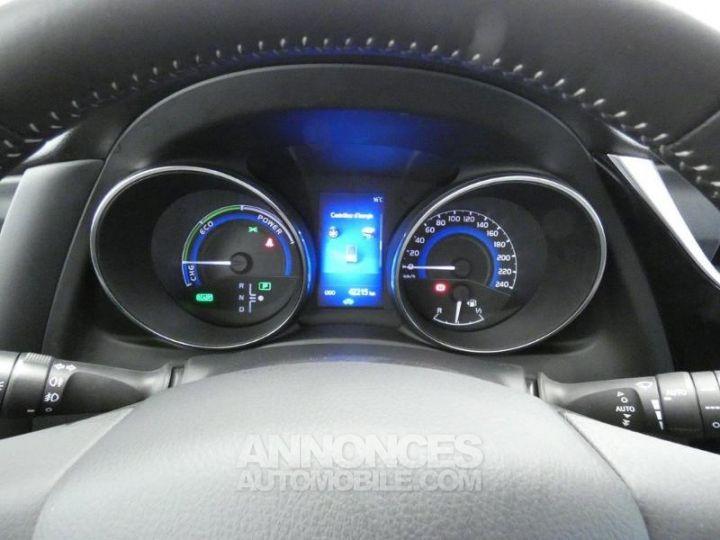 Toyota AURIS HSD 136h Dynamic Gris Platine Occasion - 14