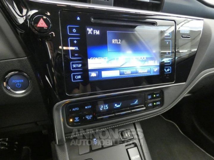 Toyota AURIS HSD 136h Dynamic BLANC PUR Occasion - 13