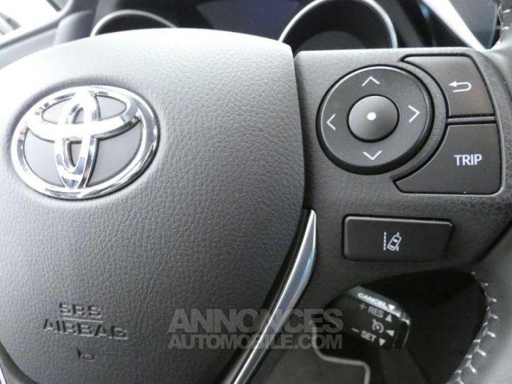 Toyota AURIS HSD 136h Dynamic BLANC PUR Occasion - 16