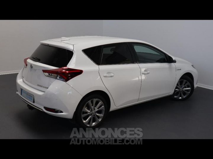 Toyota AURIS HSD 136h Executive BLANC Occasion - 2