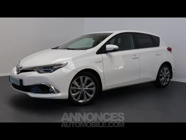 Toyota AURIS HSD 136h Executive BLANC Occasion - 9