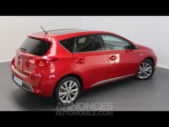 Toyota AURIS HSD 136h Style ROUGE Occasion - 2