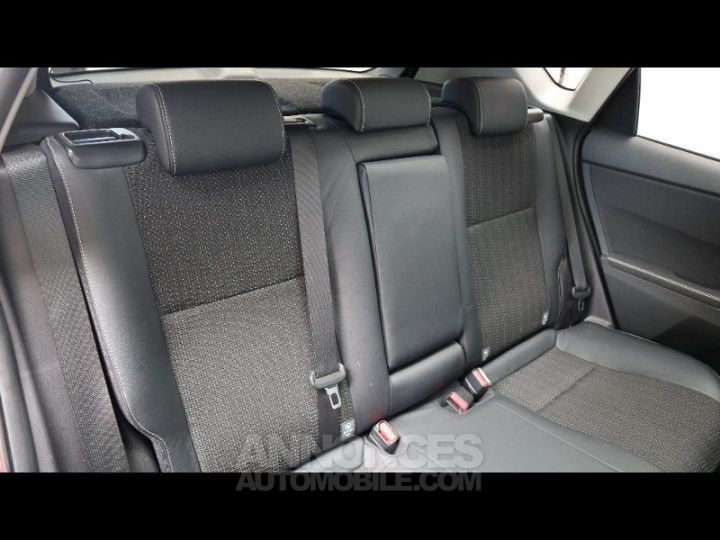 Toyota AURIS HSD 136h Style ROUGE Occasion - 4
