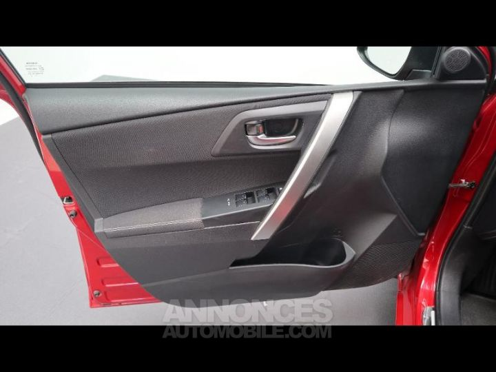Toyota AURIS HSD 136h Style ROUGE Occasion - 18