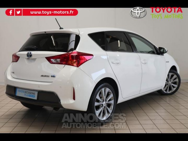 Toyota AURIS HSD 136h Style BLANC PUR Occasion - 2