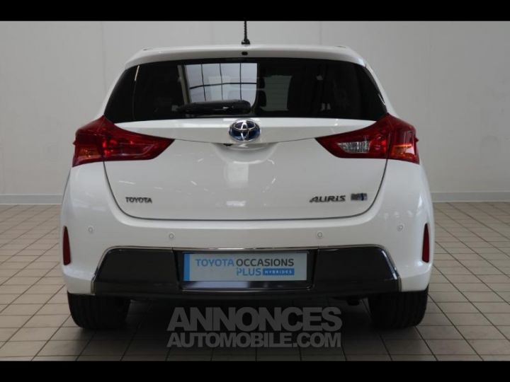 Toyota AURIS HSD 136h Style BLANC PUR Occasion - 18