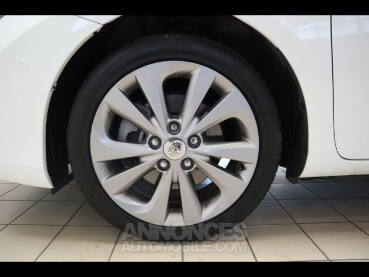 Toyota AURIS HSD 136h Style BLANC PUR Occasion - 19