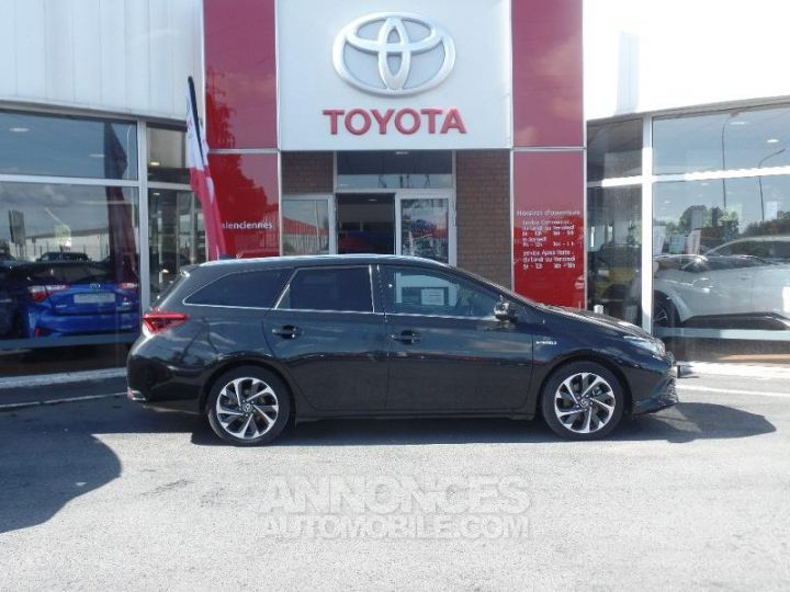 Toyota AURIS TOURING SPORTS HSD 136h Design Noir Occasion - 3