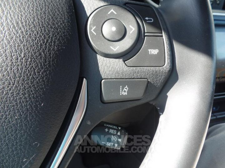 Toyota AURIS TOURING SPORTS HSD 136h Design Noir Occasion - 17