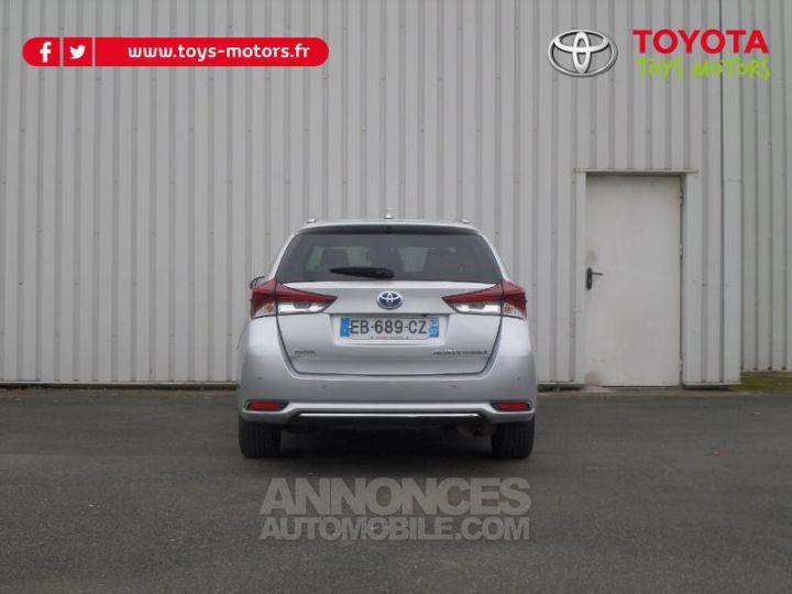 Toyota AURIS TOURING SPORTS HSD 136h Design Business GRIS Occasion - 6