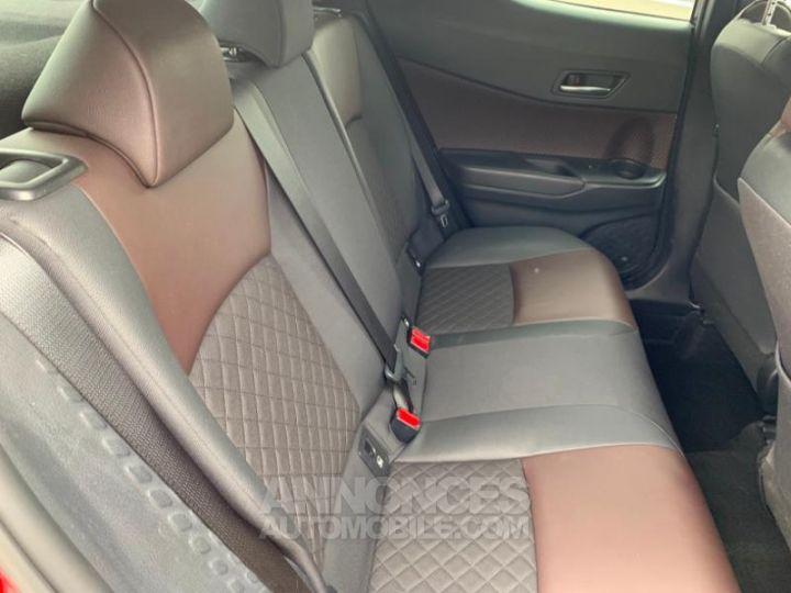 Toyota C-HR 122h Distinctive 2WD E-CVT ROUGE ALLURE Occasion - 6