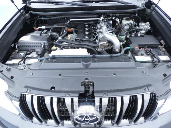 Toyota LAND CRUISER 173 D-4D FAP Lounge BVA 3p NOIR Occasion - 8