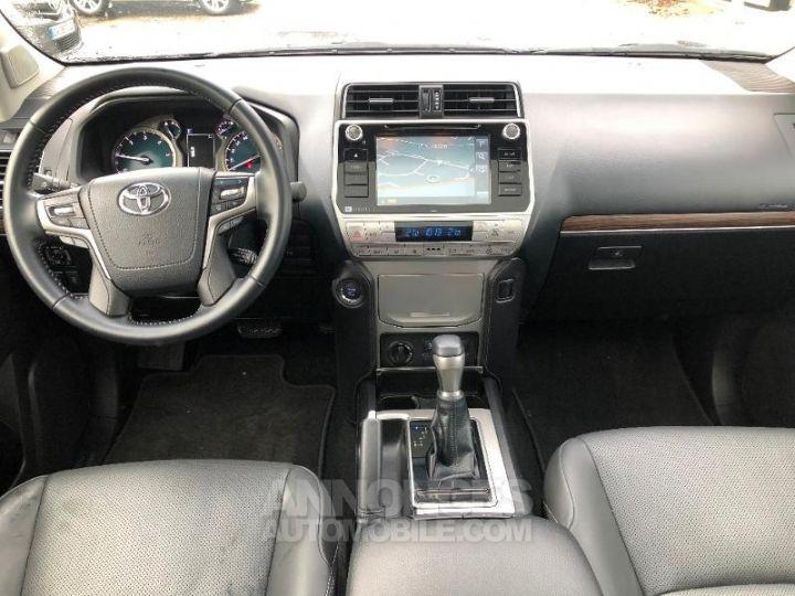 Toyota LAND CRUISER 177 D-4D Lounge BVA 5p GRIS ATLAS Occasion - 10
