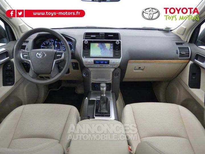 Toyota LAND CRUISER 177 D-4D Lounge BVA 5p GRIS ATLAS Occasion - 3