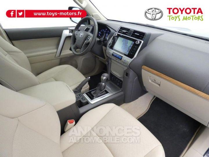 Toyota LAND CRUISER 177 D-4D Lounge BVA 5p GRIS ATLAS Occasion - 4