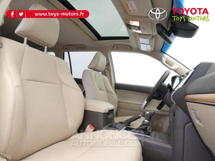 Toyota LAND CRUISER 177 D-4D Lounge BVA 5p GRIS ATLAS Occasion - 6