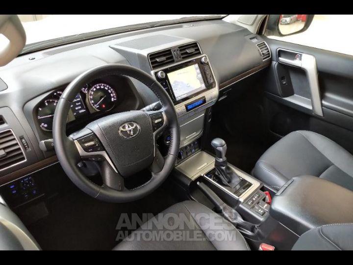 Toyota LAND CRUISER 177 D-4D Lounge BVA 5p RC18 BLANC NACRE Occasion - 10
