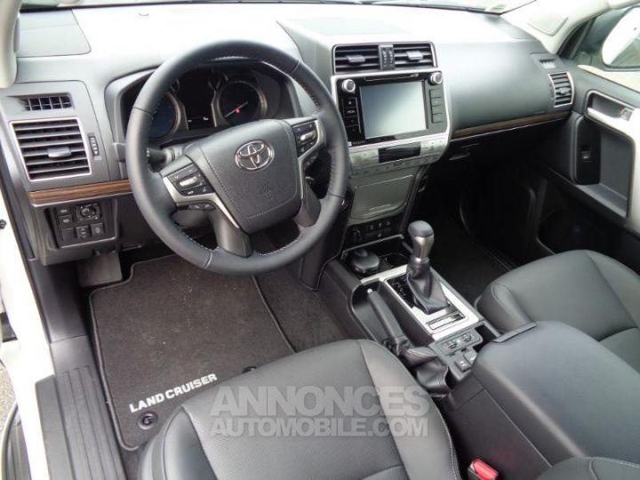 Toyota LAND CRUISER BMC 177 D 4D AT LOUNGE RC18 BLANC NACRE Occasion - 4