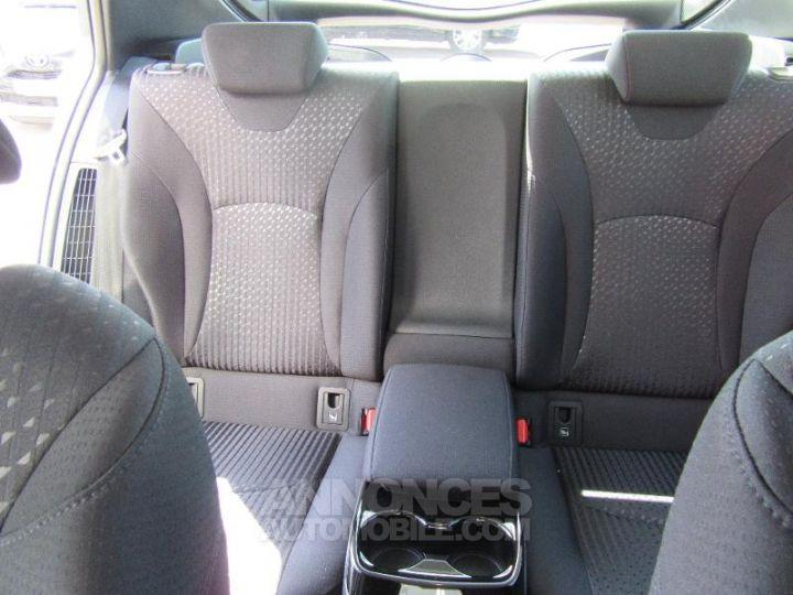 Toyota PRIUS 122h BLANC NACRE Occasion - 17