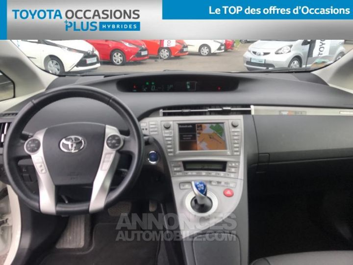 Toyota PRIUS 136h Lounge BLANC NACRE Occasion - 13