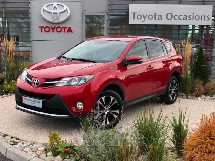 Toyota RAV4 124 D-4D Life 2WD ROUGE Occasion - 1