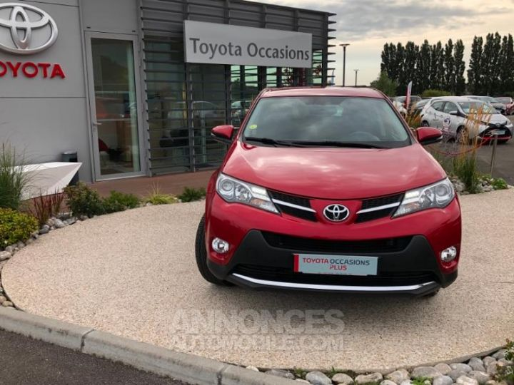 Toyota RAV4 124 D-4D Life 2WD ROUGE Occasion - 2