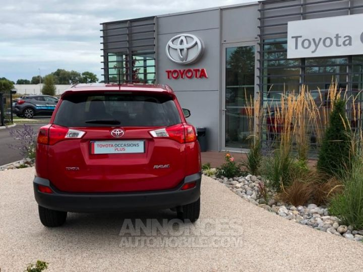 Toyota RAV4 124 D-4D Life 2WD ROUGE Occasion - 5